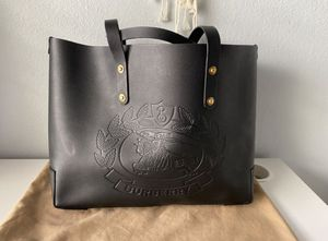 Burberry leather tote bag for Sale in Fullerton, CA