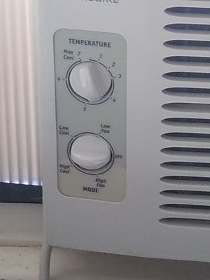 GE, and Figidare AC window units (2 units) for Sale in Lancaster, OH
