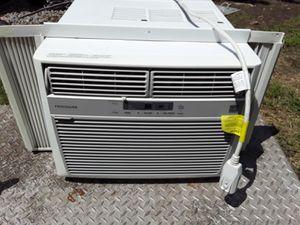 Frigidaire 12000 BTU window unit ac for Sale in Norfolk, VA