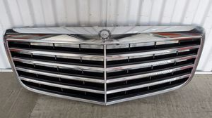 MERCEDES BENZ FRONT CHROME GRILLE OEM for Sale in Redondo Beach, CA