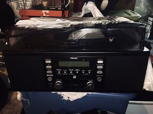 TEAC - STEREO, RECORD &CD PLAYER for Sale in Lynn, MA