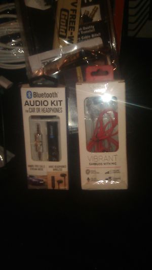 Eye world vibrant earbuds with Mic Bluetooth audio kit for cars or headphones hands-free i for Sale in Las Vegas, NV