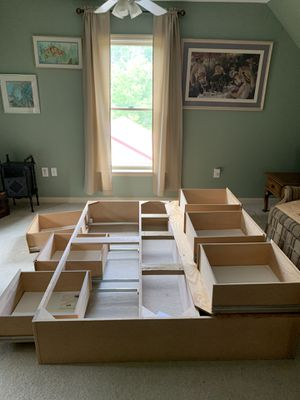 Queen size bed frame with 6 drawer storage for Sale in Green Lane, PA