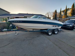 Sea Ray 210 Signature w/150 total hrs, tandem axle trailer plus extras for Sale in Napa, CA