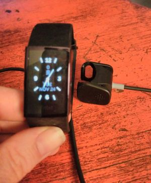 Fitbit charge 4 for Sale in Lakeland, FL