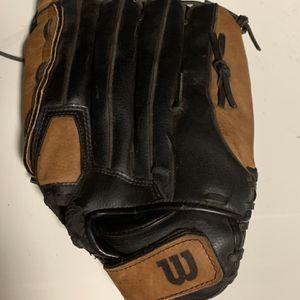 "14"" Leftie Wilson 360 Softball Glove for Sale in Naples, FL"