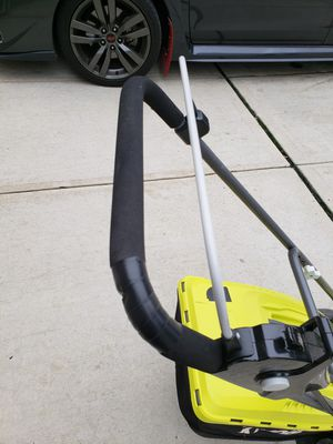"""16"""" Ryobi electric lawn mower for Sale in Bronx, NY"""