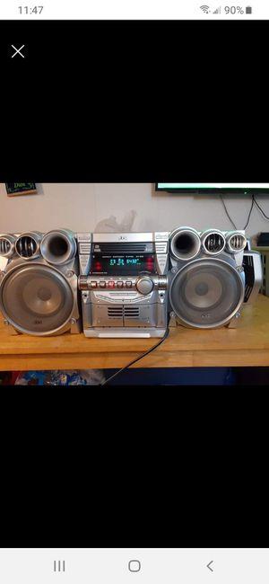 Jvc 460 watt potente equipo de sonido bajos potentes que hacen vibrar todo for Sale in Woodbridge, VA