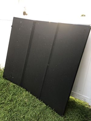 Chevy Silverado Tonneau extang solid trifold for Sale in FL, US