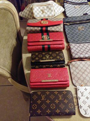 Men an women bags/belts for Sale in Orlando, FL