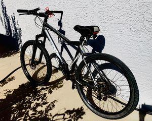 GIANT mountain bike for Sale in Glendale, AZ