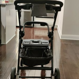 Chicco Bravo LE Quick Fold Stroller Gray for Sale in Oakdale, PA
