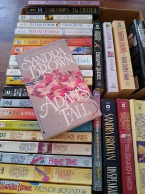 Sandra brown books for Sale in Peoria, AZ