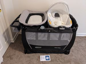 Graco Pack n Play Yard Snuggle Suite LX for Sale in Lakeside, CA
