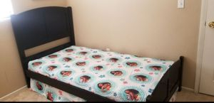 TWIN SIZE FRAME/MATTRESS/BOX SPING **QUICK SALE** for Sale in Las Vegas, NV