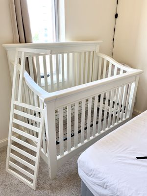 Convertible 2-in-1 Baby Crib for Sale in Bethesda, MD