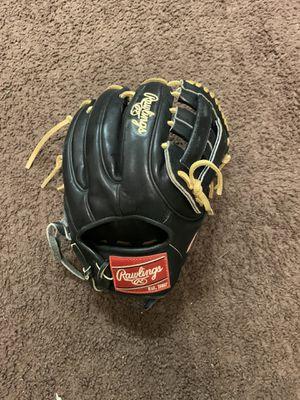 Baseball Glove for Sale in Wildomar, CA