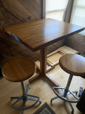 Small table with two swivel bar stools for Sale in Paulsboro, NJ
