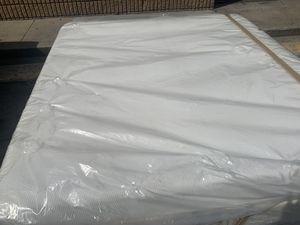 King Size memory foam mattress and box spring for Sale in Wichita, KS