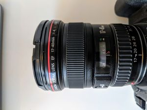 Canon EF 17-40mm f/4L USM Ultra Wide Angle Zoom Lens for Sale in Chicago, IL