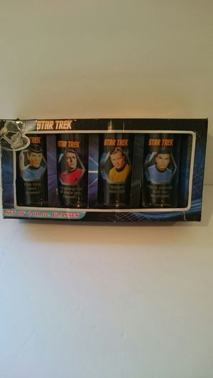 Star trek 1995 4 each. Glass set for Sale in Montebello, CA