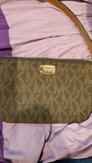 Michael kors (womans belt bag) for Sale in Everett, WA