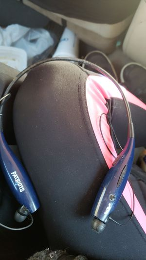 Bluetooth headphones for Sale in Whitinsville, MA