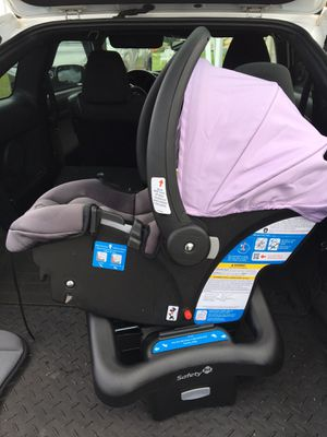 Safety first car seat for Sale in Miami Gardens, FL