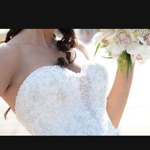 Elegant Wedding Dress (size 8) for Sale in Garden Grove, CA