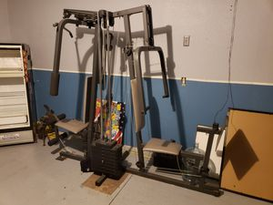 Home work out weight set for Sale in Thornton, CO