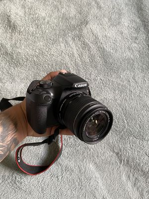 Canon EOS Rebel T6 Bundle for Sale in Duluth, GA