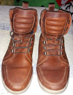 Men's Flyroam Leather Boot size: 10 for Sale in Fort Washington, MD
