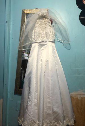 Wedding dress David bridal for Sale in Lake Worth, FL