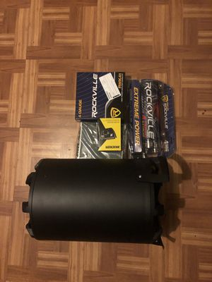 car subwoofer, 10in kickers 800 Watts loaded enclosure w/ kickers amp cxa600 1200w max W/ Bass knob for Sale in NO BRENTWOOD, MD