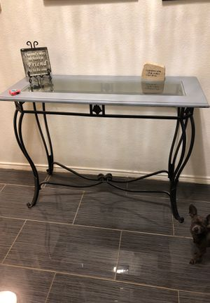 Entryway console table for Sale in Dallas, TX