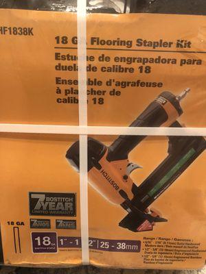 Engrapadora para duela completamente nueva,,100 dlls for Sale in Los Angeles, CA
