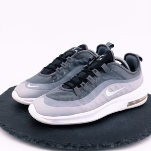 Nike Air Max Axis womens shoes size 10 for Sale in Omaha, NE