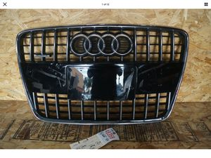 2010 2011 2012 2013 2014 2015 AUDI Q7 FRONT GRILLE OEM for Sale in Lynwood, CA