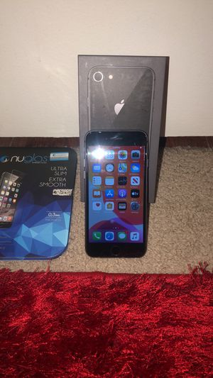 iPhone 8 64 GB unlocked excellent condition can be used with any carrier for Sale in Houston, TX