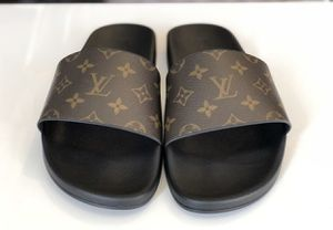 Louis Vuitton slides for Sale in Amlin, OH