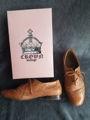 Crown Vintage Oxfords, womens size 11 for Sale in Seattle, WA