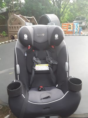 Brand spank new car seat for Sale in Macon, GA