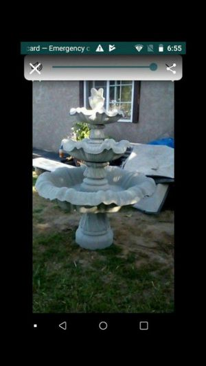 5 foot cement water fountain for Sale in Dinuba, CA
