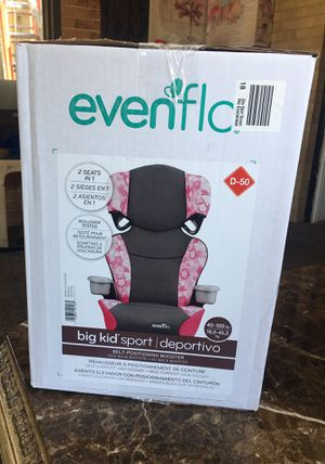 Girl car seat and booster 2 in 1 new for Sale in Downers Grove, IL