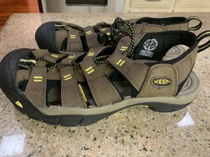 Keen sandals water shoes size 10 men's for Sale in Houston, TX