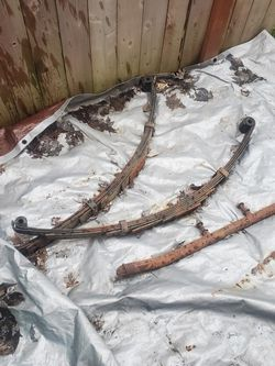 """Toyota 4x4 Front 4"""" Lift Springs And Rear Shock Bar. for Sale in Graham,  WA"""