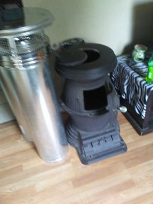 Brand new wood burning stove all the piping and the insulated pipe and cap..$500 for Sale in Lawton, OK