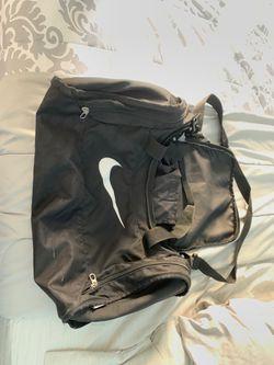 Nike duffle bag for Sale in Poinciana,  FL