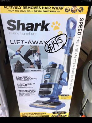 New Shark vacuum for Sale in Menifee, CA