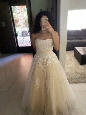 Prom/wedding dress for Sale in Beaumont, CA